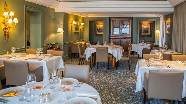 Auberge de Lucinges            (côté restaurant) Vue de la salle Restaurant