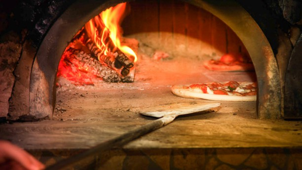 Pizzeria Peppone by Abruzzo Horno