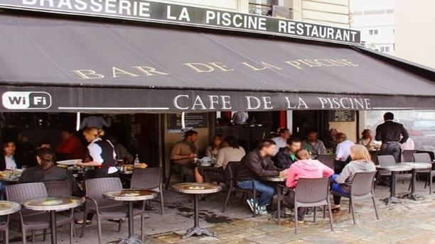 Restaurant le caf la piscine paris 75018 montmartre for Piscine 75018