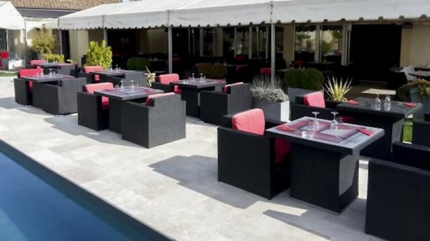 Restaurant maison rouge saint fargeau ponthierry 77310 avis menu et prix - Piscine saint fargeau ponthierry ...
