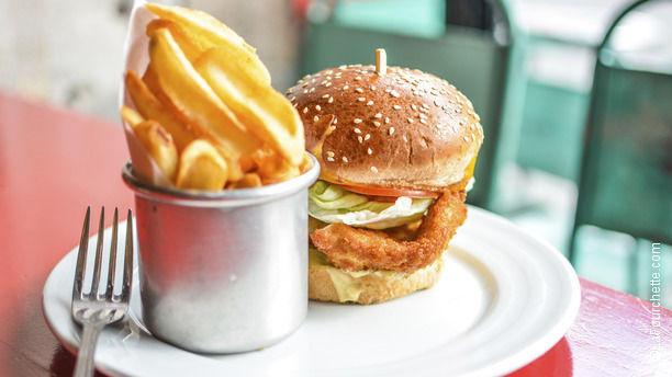 Le Belmont Chicken burger