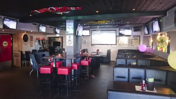 Corner sportbar Dining room view