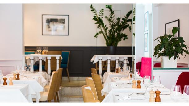 restaurante 20 eiffel en paris men opiniones precios y reserva. Black Bedroom Furniture Sets. Home Design Ideas
