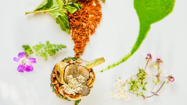 Fantin Latour Épinard sauvahe, champignons shiitake, truffe