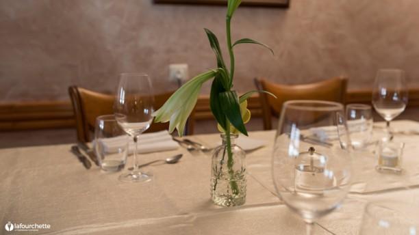 restaurant au cheval blanc eschbourg 67320 avis menu et prix. Black Bedroom Furniture Sets. Home Design Ideas