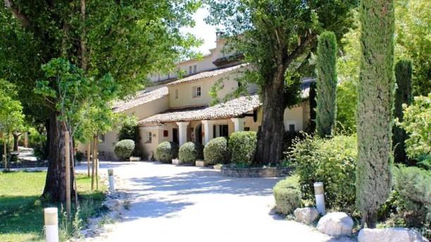 Restaurant mas de cure bourse l 39 isle sur la sorgue for Bourse exterieur