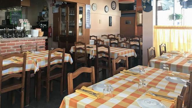 Sala - Pikas - Pizzeria, Tapas & Petiscos, Cascais