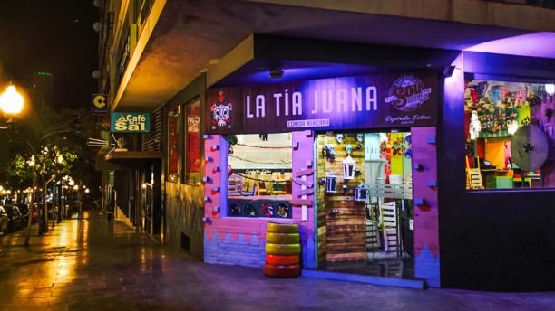 La Tía Juana Antojería Mexicana Callejera - Alicante Vista entrada