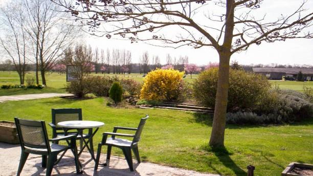 Restaurant du Golf de Villeray Terrasse et jardin