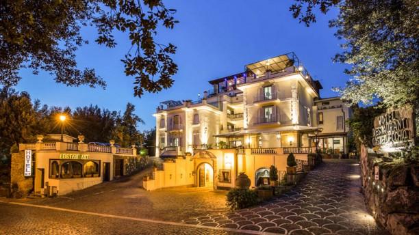 Ristorante Bellavista - Hotel Castel Vecchio Ristorante Bellavista @Hotel Castel Vecchio (Entrata/Entrance)