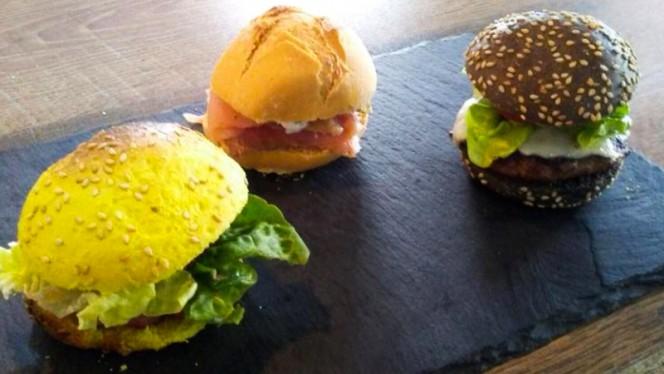 Mini hamburguesas - Llovizna Restaubar, Getafe