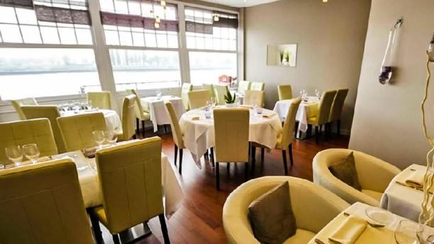 La maison blanche in la bouille restaurant reviews menu for 7 a la maison saison 11