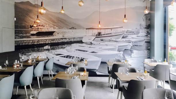 Hangar 85 Restaurant