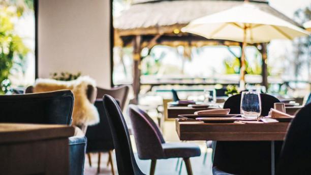 Claro Restaurant & Beach Club Vista sala