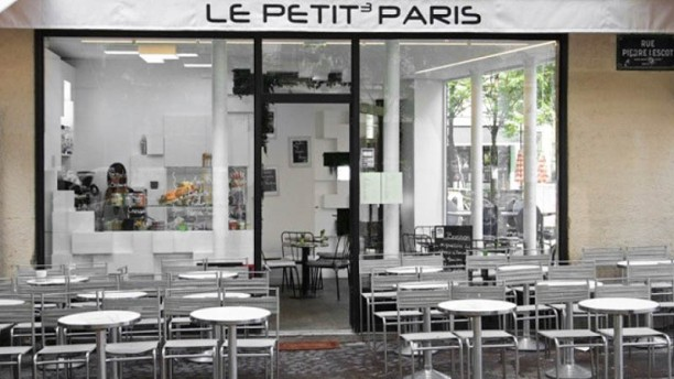 Le Petit Paris Devanture