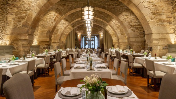 Restaurante Dos Reis - Parador de Santiago de Compostela Vista Sala