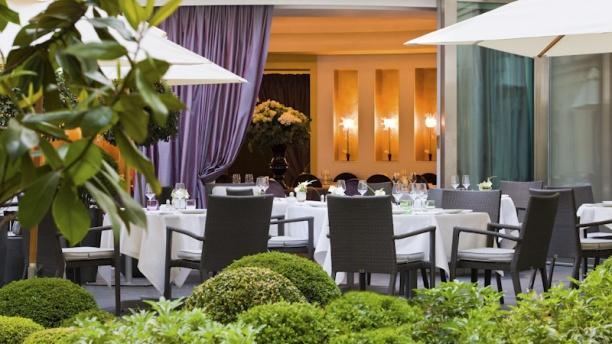Le Diane - Hôtel Barrière Le Fouquet's Vue terrasse