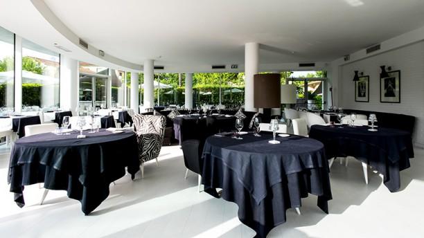 Blanco Lounge Restaurant Vista della sala