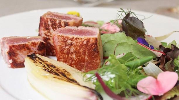 Il Mattarello Tagliata di tonno con cipollotto fresco di tropea caramellato
