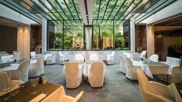La Table du Huit - La Maison Champs-Elysées aperçu de l'intérieur