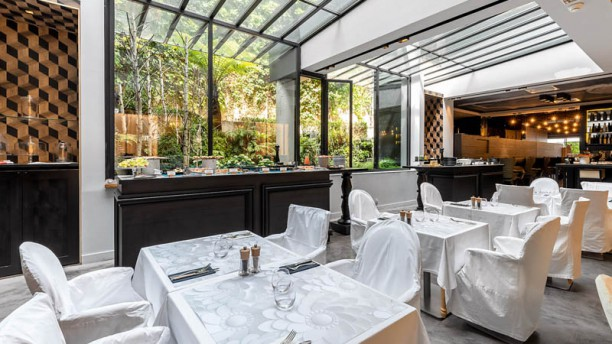 La Table du Huit - La Maison Champs-Elysées Vue de la salle