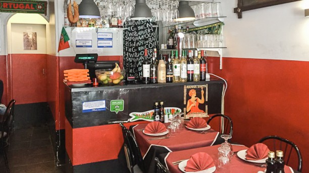 Rosa And Wine Sala