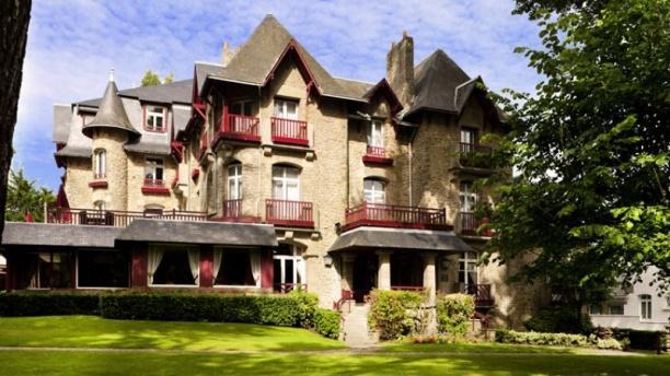 Le Castel - Hôtel Relais & Chateaux Castel Marie-Louise Devanture