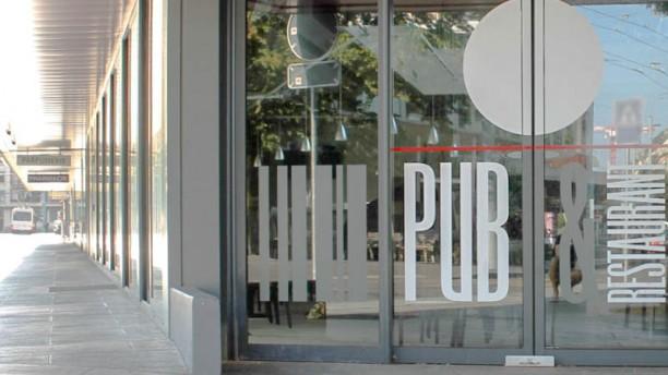 Italian Pub & Restaurant Devanture