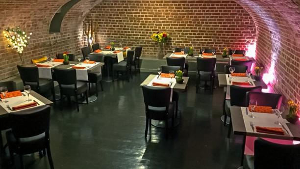 le cercle restaurant 1 rue du r leur 59300 valenciennes adresse horaire. Black Bedroom Furniture Sets. Home Design Ideas