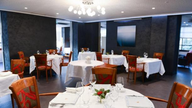 Maison Crouzil - Hôtel l'Ecrin VUE DE LA SALLE