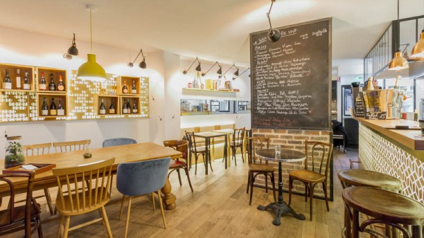 restaurant hubris bar vin paris 75020 p re lachaise m nilmontant menu avis prix. Black Bedroom Furniture Sets. Home Design Ideas