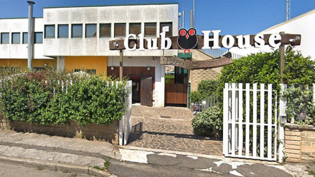 Club House Pub Esterno