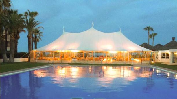 Club de Playa - El Octogono terrazza