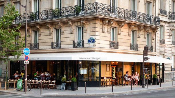 Restaurant brasserie de la tour eiffel in paris review price and booking - Restaurant dans la tour eiffel ...