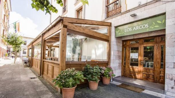 Los Arcos Terraza exterior cubierta Restaurante Los Arcos