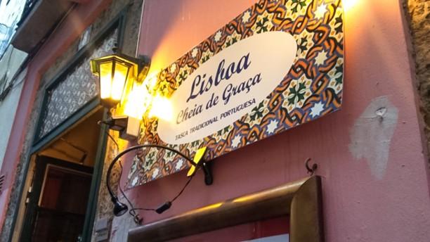 Lisboa Cheia de Graça - Atalaia Entrada