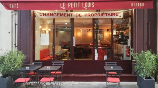 Le Petit Louis Devanture