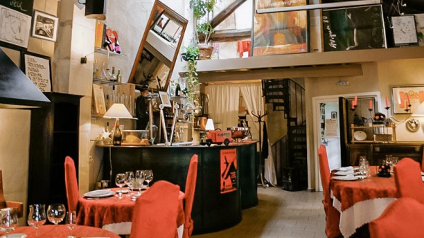 Le jardin de la tour in avignon restaurant reviews menu for Restaurant de la cuisine au jardin