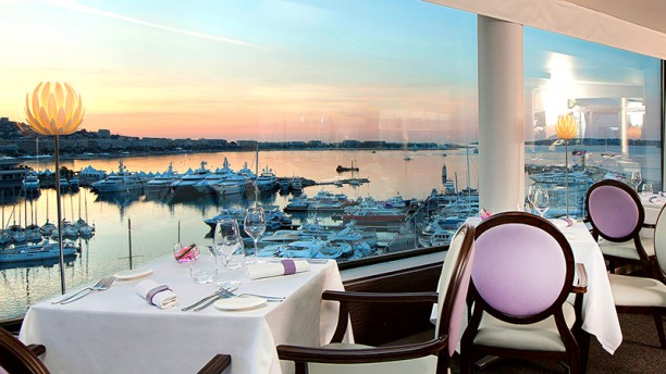 Le 360 h tel radisson blu cannes in cannes restaurant for Restaurant le jardin cannes menu
