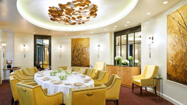 Restaurant le baudelaire h tel le burgundy paris paris for Reserver un hotel a paris sans payer
