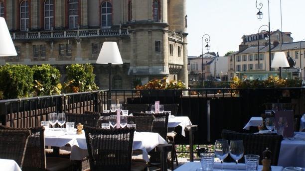Restaurant la brasserie du th tre saint germain en laye for Adresse piscine saint germain en laye