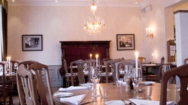 Sir Winston Upstairs Dining room view
