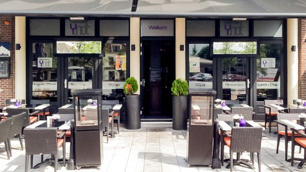 Grand Café Y.not terras