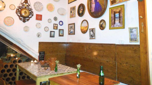 Taberna da Saudade - Rua Queimada Sala do restaurante