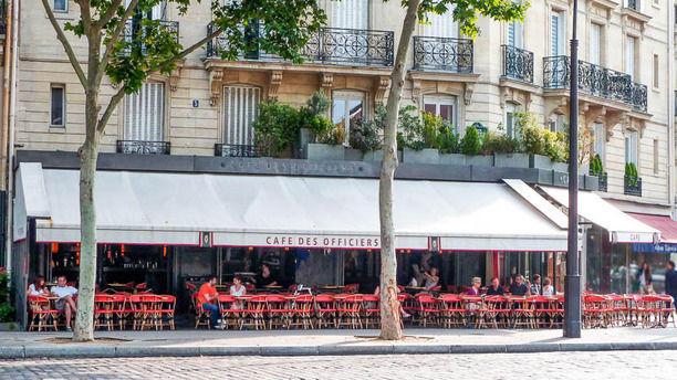 Cafe des Officiers