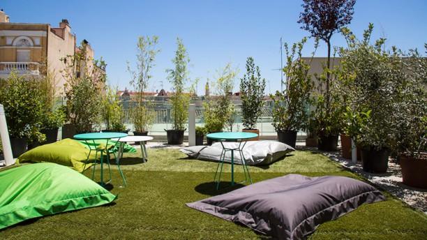 Azotea Forus Barceló zona lounge
