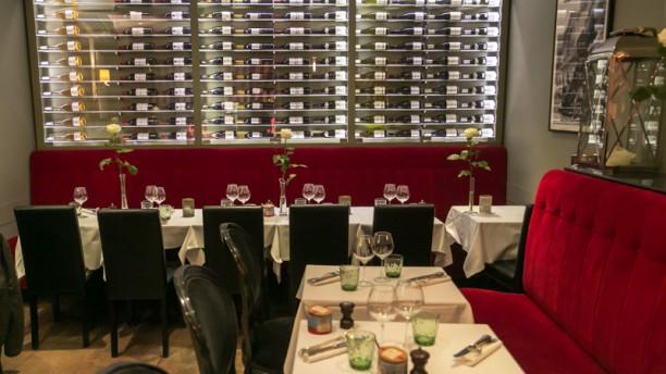 Le Petit Paris Salle du restaurant
