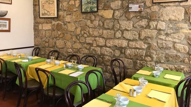 Aux Ducs de Bourgogne Salle du restaurant