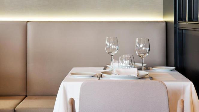 Detalle mesa - Princesa - El Corte Inglés, Madrid