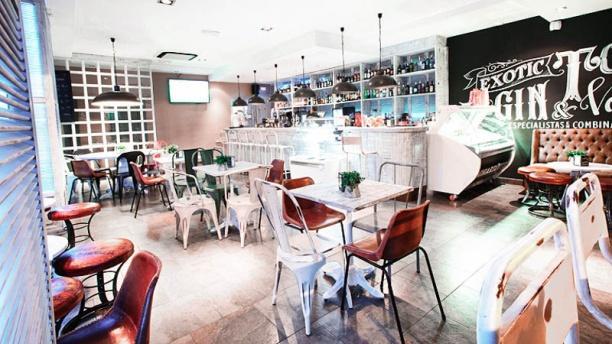 Charlotte Gastrobar & Café CHARLOTTE GASTROBAR & CAFÉ